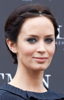 Emily Blunt's Look at The Wolfman Photocall