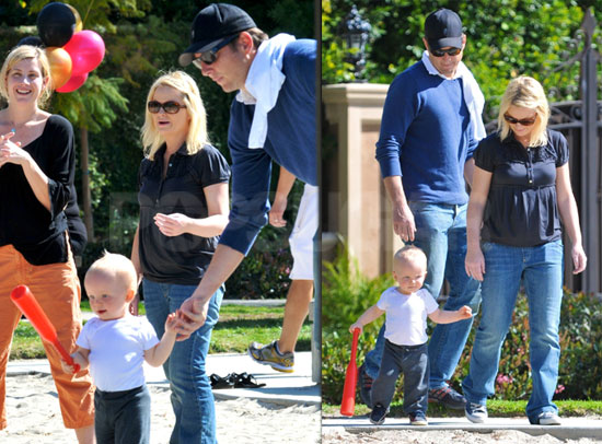 Photos of Amy Poehler, Will Arnett, And Archie Arnett Playing at a LA Park