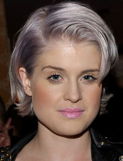 Kelly Osbourne With Gray Lilac Hair