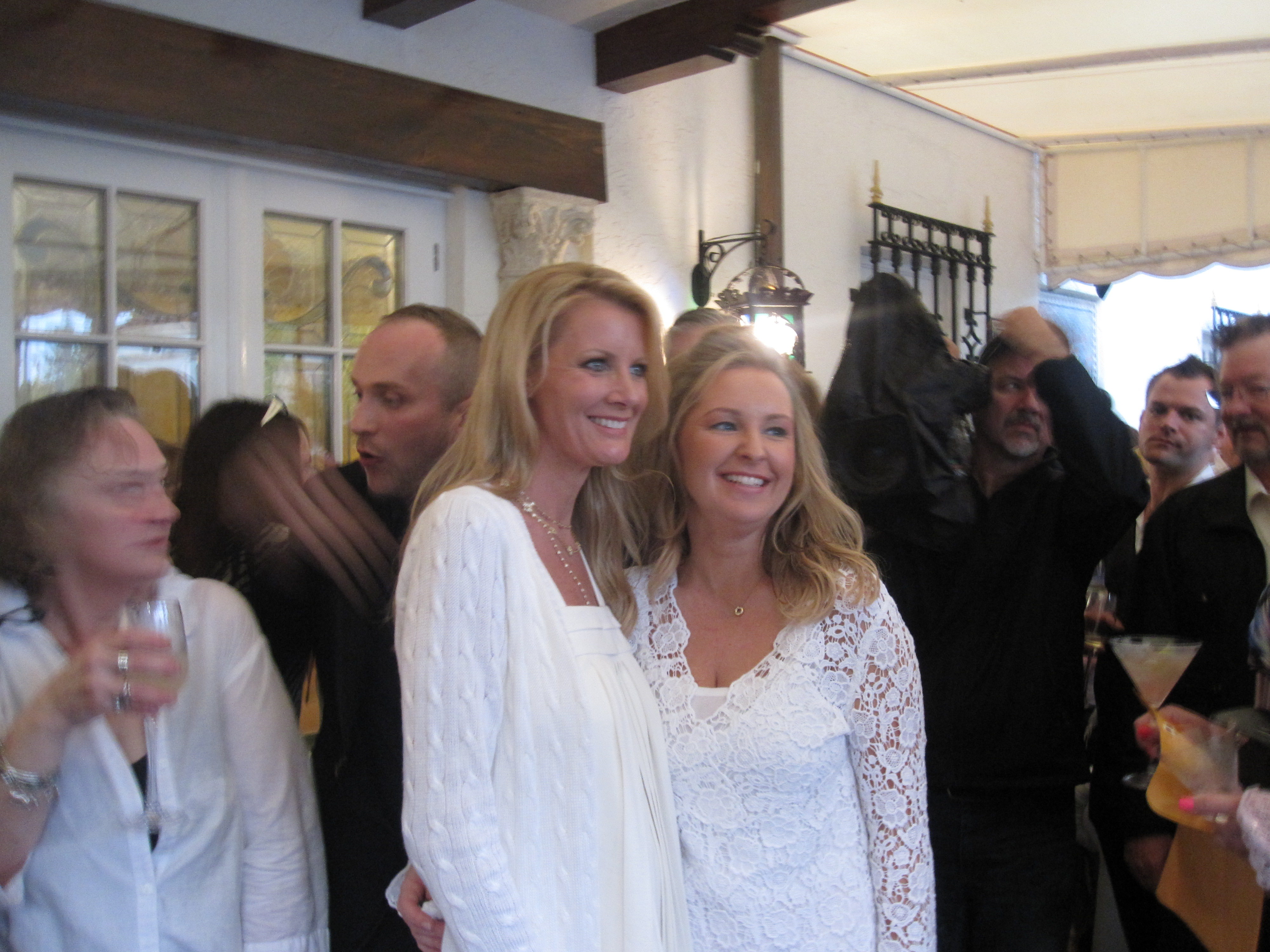 The guest of honor, Sandra Lee, posing with her sister, Kimmy.