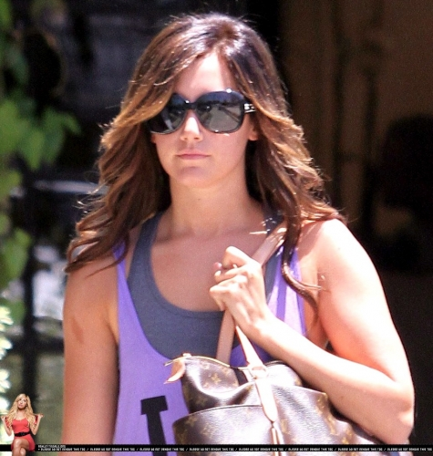 Leaving the Andy Lecompte salon in Beverly Hills