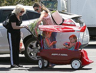 Photos of Jennifer Garner, Violet Affleck and Seraphina Affleck 2010-05-31 18:09:32
