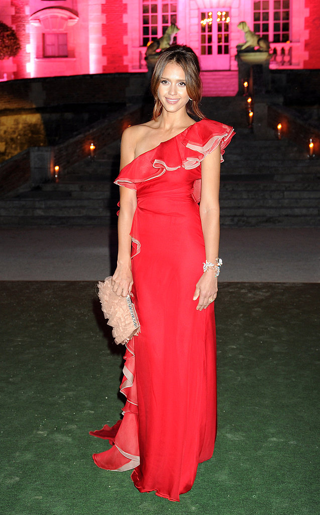 Jessica Alba looking delicious in cherry red.