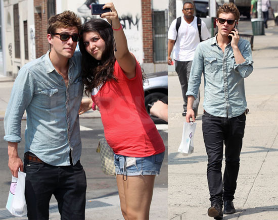 Pictures of Xavier Samuel Posing With Fans in New York