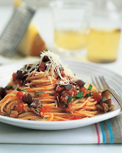 Spaghetti With Eggplant and Tomato Sauce Recipe