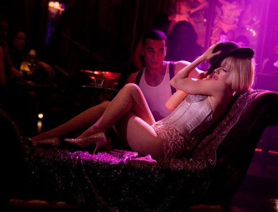 New Movie Trailer For Burlesque Starring Christina Aguilera, Cher, Kristen Bell