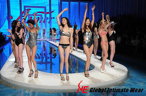 "Aimer ""Dream of Aqua"" 2010 Swimwear Fashion Show"
