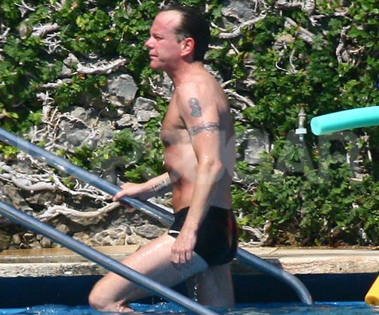 Slide Picture of Kiefer Sutherland Shirtless in Italy