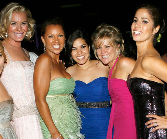 The cast of Ugly Betty celebrated America Ferrera's outstanding actress win in 2007.