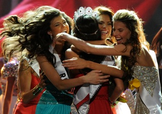 What Does Miss Universe Win? 2010-08-24 11:00:57