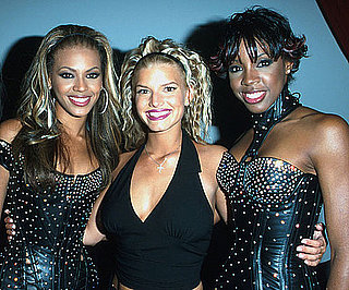 Beyonce-Jessica-Simpson-Kelly-Rowland-posed-together-backstage