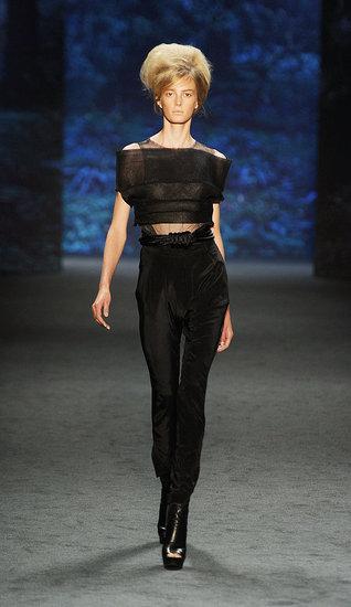 Spring 2011 New York Fashion Week: Vera Wang
