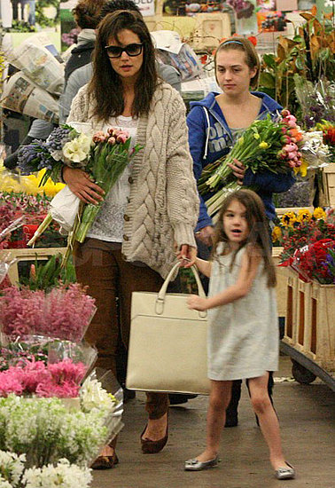 Pictures of Katie Holmes and Suri Cruise Buying Flowers and Chocolate Before Thanksgiving in LA