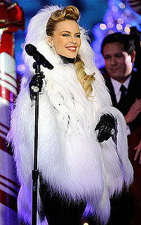 Video of Jessica Simpson Singing at the Rockefeller Tree Lighting
