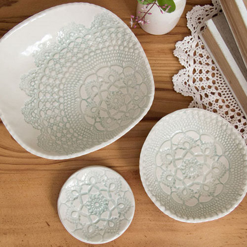 Set of Three Vintage Lace 'Elodie' Print Dishes