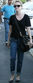 Reese Witherspoon Style 2010-12-12 11:48:56