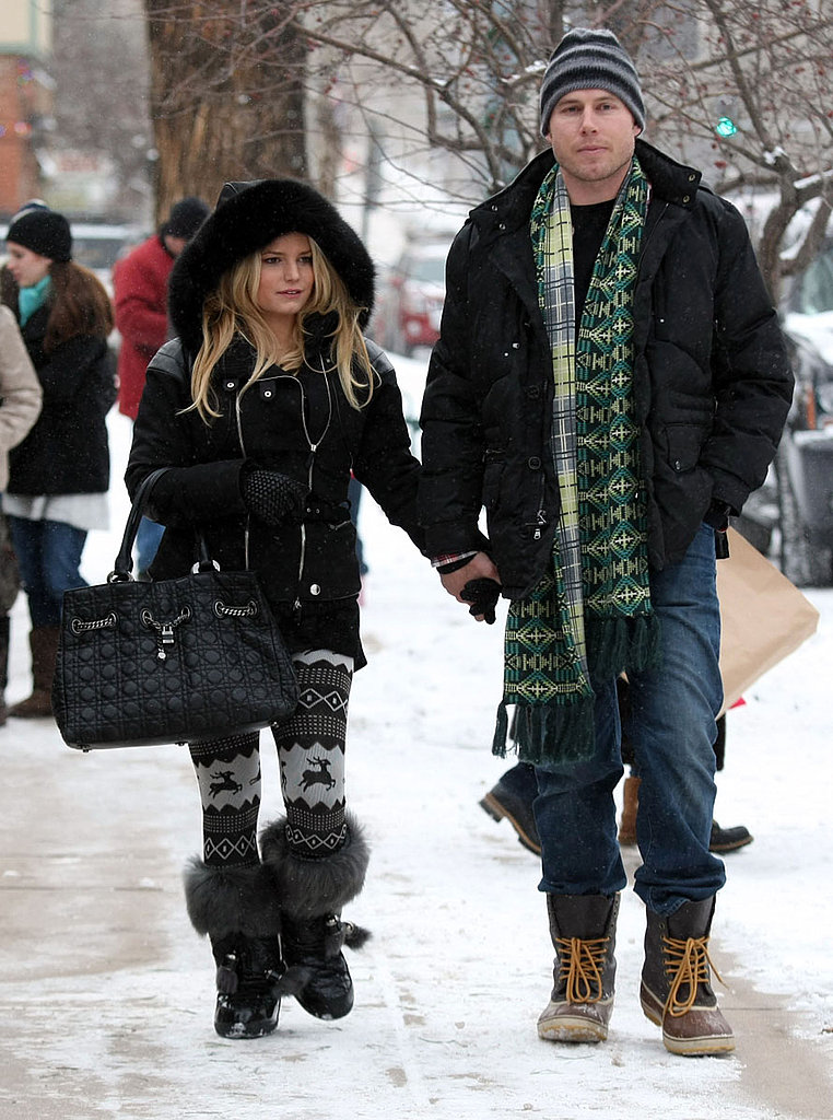 Jessica Simpson and Eric Johnson See Out 2010 Together in Aspen