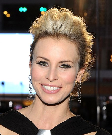 Niki Taylor at 2011 People's Choice Awards