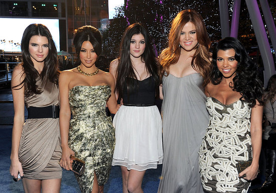 Pictures of Khloe Kardashian's red hair and Kim Kardashian at People's Choice Awards 2011-01-05 20:05:00