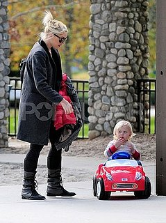 Pictures of Gwen Stefani Playing at Park With Zuma