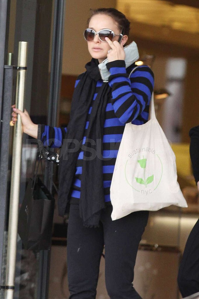 Natalie Portman Goes Shopping With Her Parents Pre-Premiere