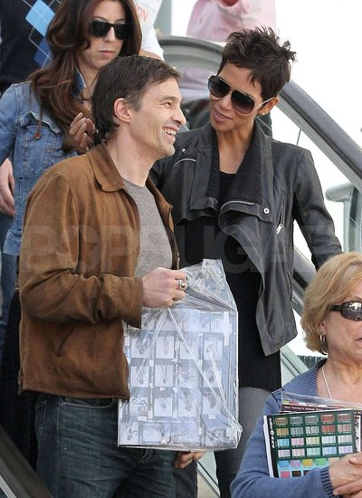 Pictures of Halle Berry and Olivier Martinez Leaving an Art Show in LA