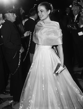 Grace Kelly At The 1956 Academy Awards 85 Unforgettable Looks From The Oscars Red Carpet
