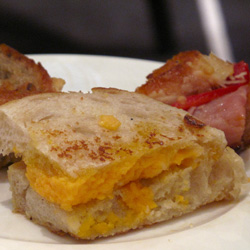 Photo Gallery: Laura Werlin's Grilled Cheese and Wine Pairing