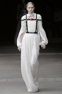 Fall 2011 Paris Fashion Week: Alexander McQueen 2011-03-08 14:28:32