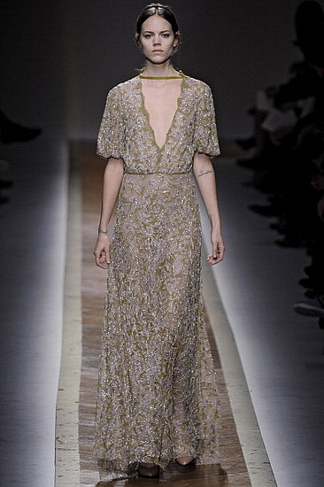Fall 2011 Paris Fashion Week: Valentino 2011-03-08 12:37:39
