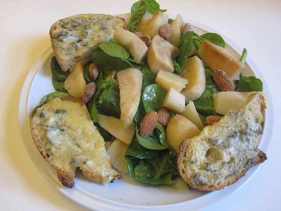 Spinach and Sourdough Salad