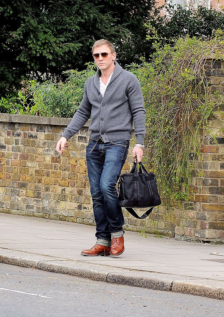 Daniel Craig Reconnects With His British and Bond Roots