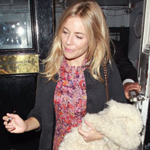 Sienna Miller Spotted in the Spring 2011 Oversized Mulberry Tillie Bag in Oak Silky Snake