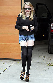 Pictures of Emma Roberts Wearing Thigh High Stockings 2011-04-04 13:50:00