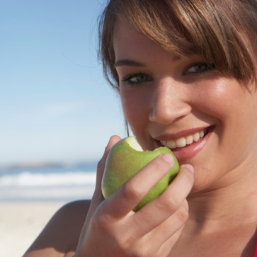 Eat an Apple a Day For Heart Health Benefits