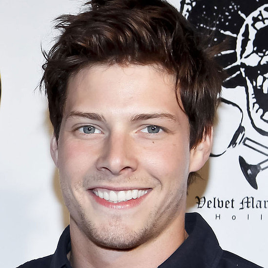 Hunter Parrish on Weeds Cancellation Rumors and Being Shirtless