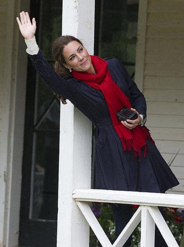 Kate Middleton waved at her husband.