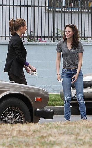 Minor Fender Bender pics of Kristen Stewart July 14th