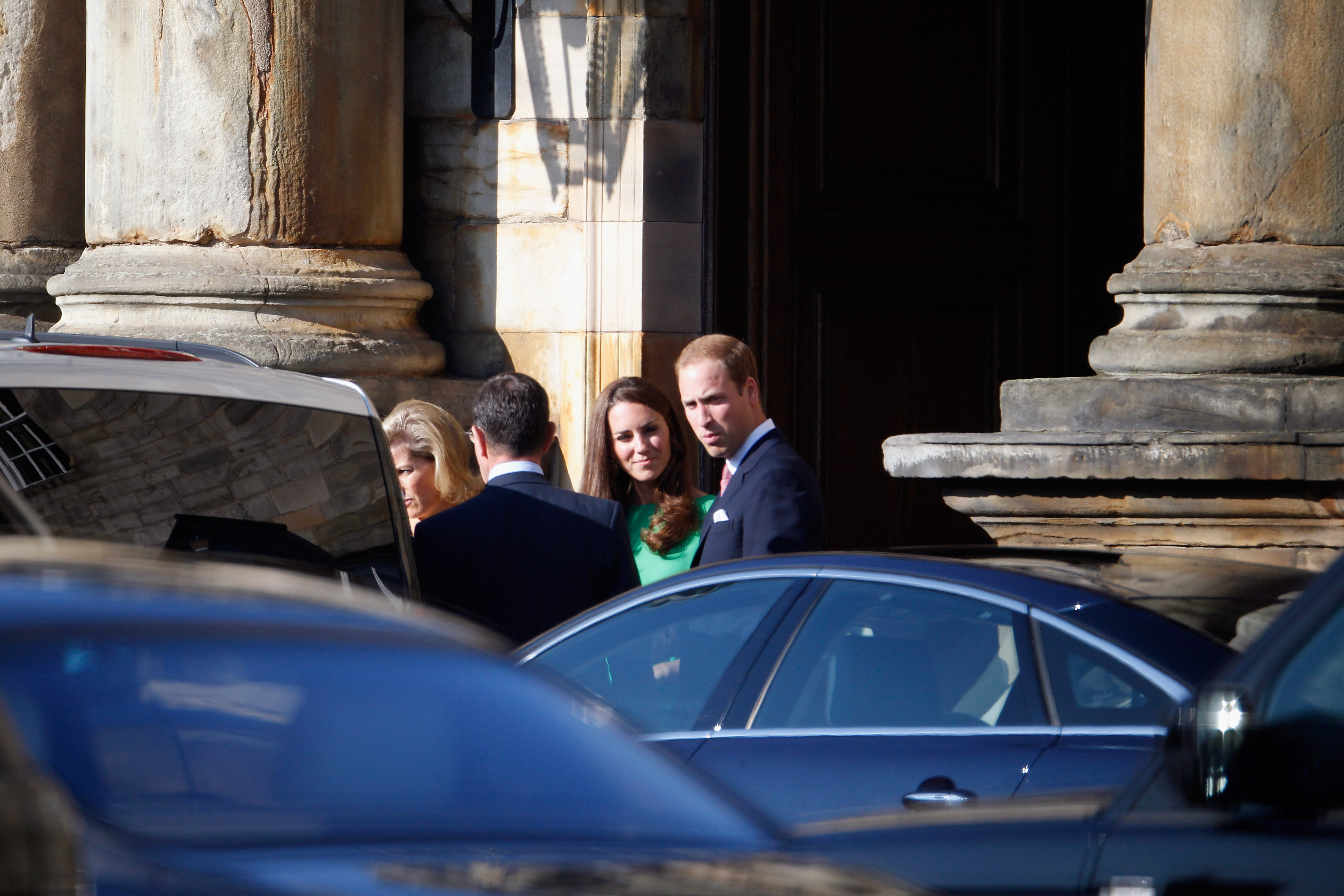Kate Middleton and Prince William ready for Zara Phillips's wedding.