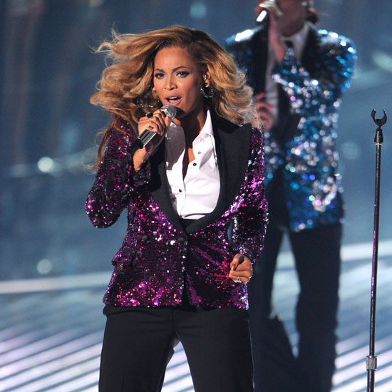 """Video of Pregnant Beyonce Knowles Performing """"Love on Top"""" at 2011 MTV Video Music Awards"""
