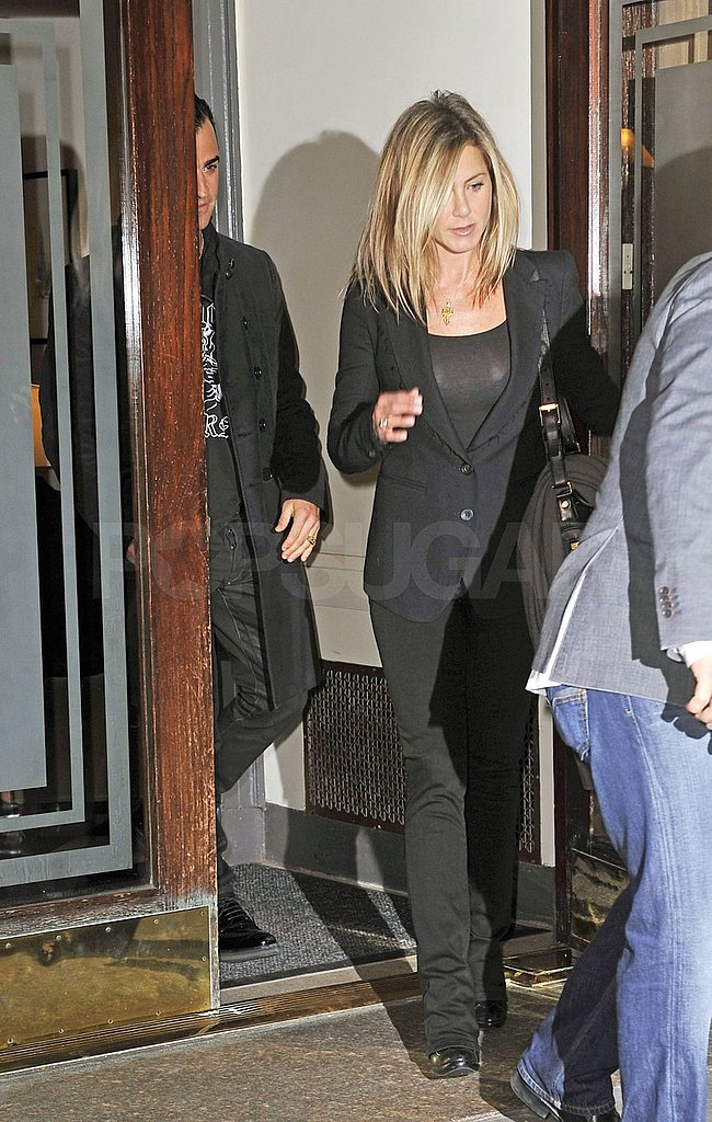 Jen and Justin left her NYC apartment together.