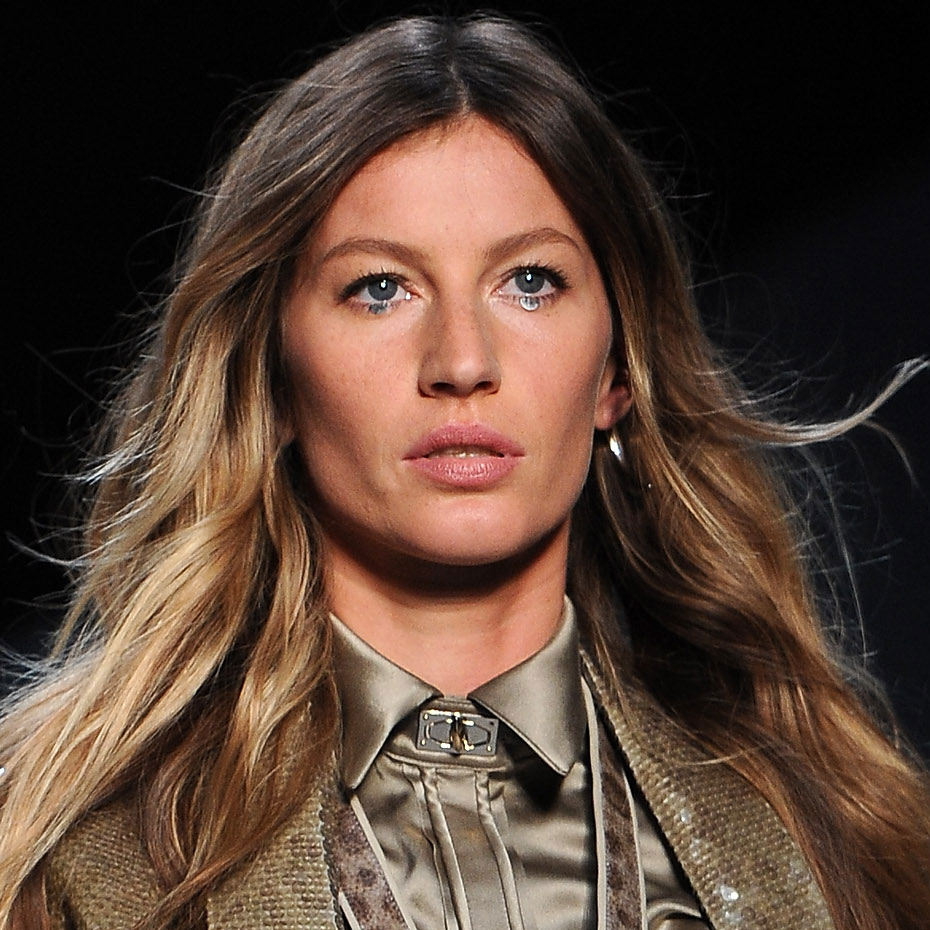 Gisele Bundchen walks for Gisele Bundchen