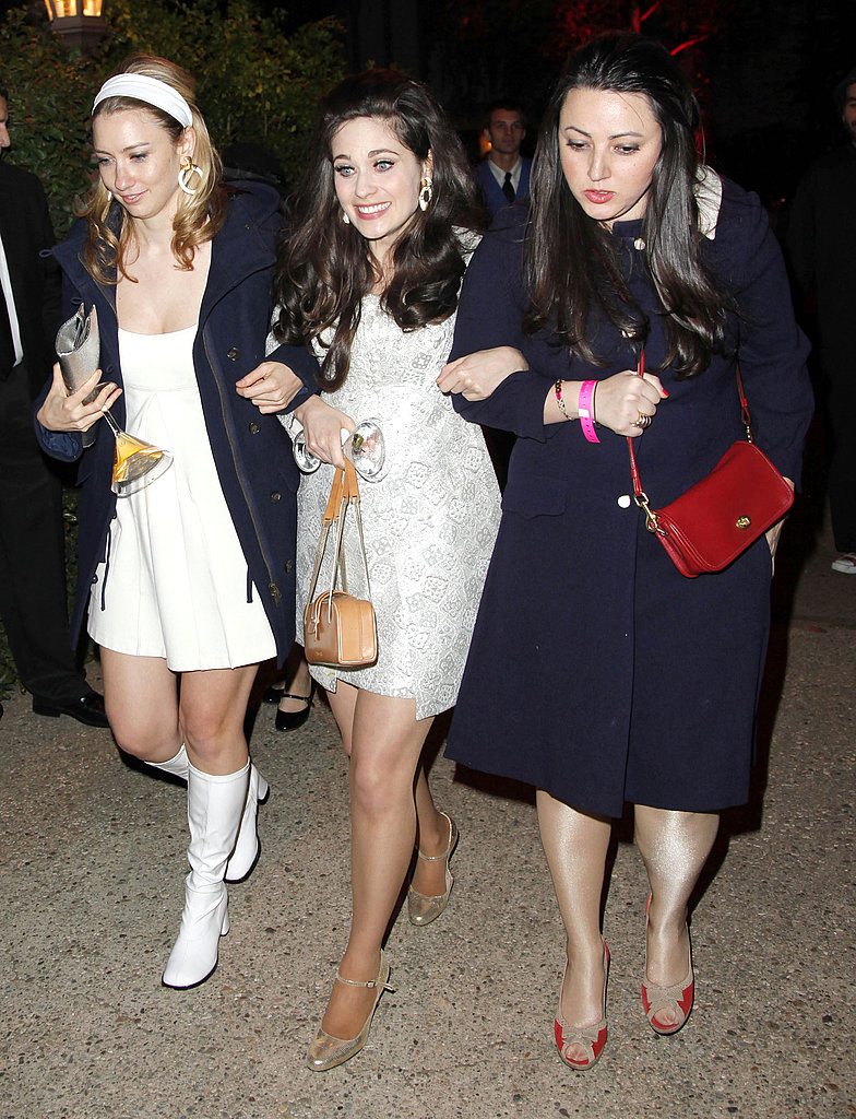 Photo of Zooey Deschanel & her friend actress  Kate Hudson - Los Angeles