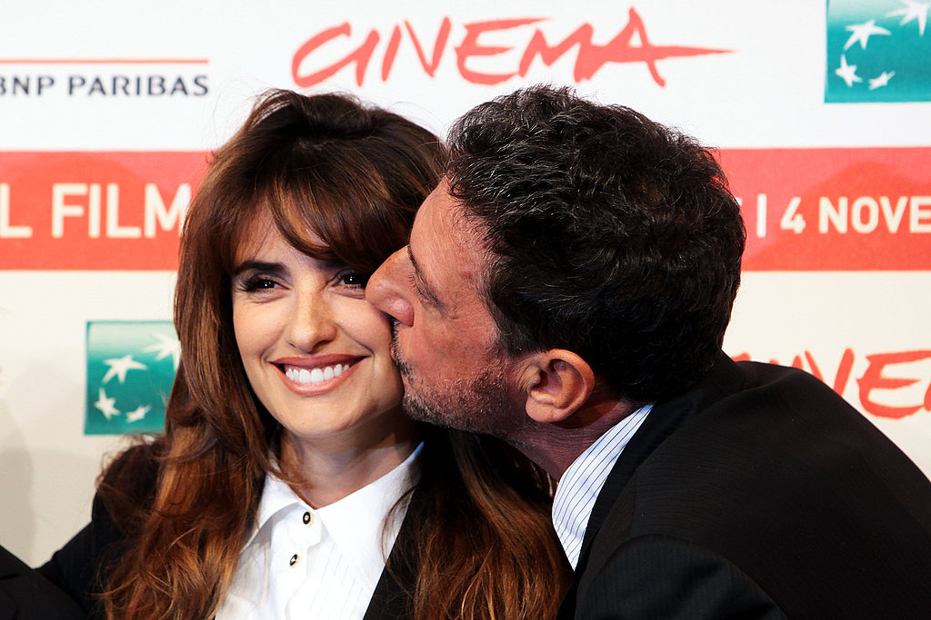 Penelope accepted a kiss from the film's director.