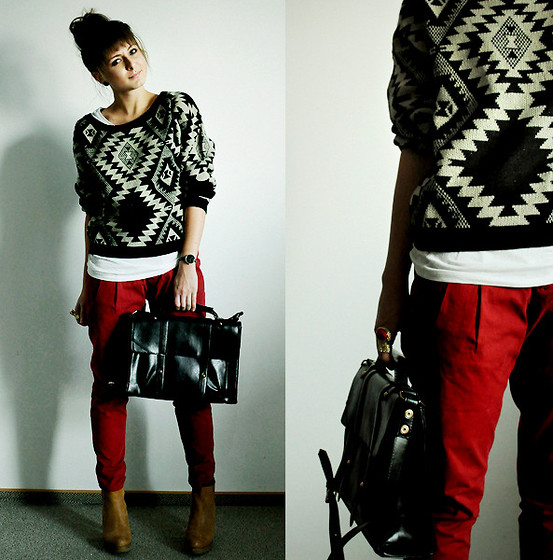 Proof that a statement knit is a seriously awesome outfit addition, though we're sure that these red pants had a hand in the cool results too.  Photo courtesy of Lookbook.nu