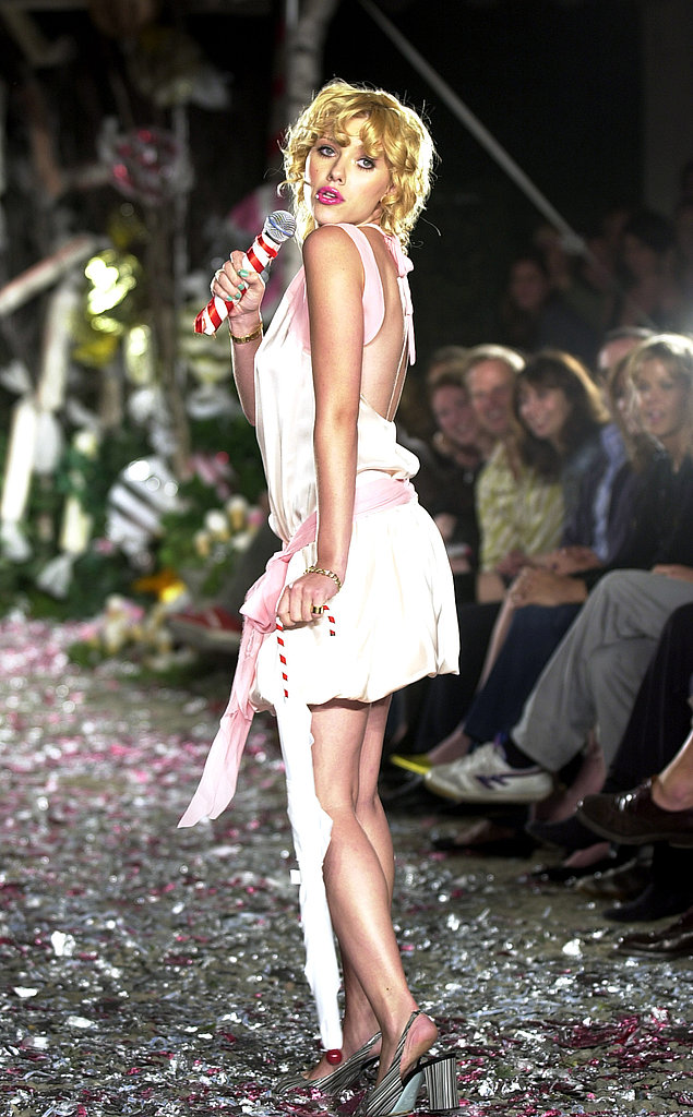Scarlett performed in a sexy dress during a Cynthia Rowley Spring 2004 runway show.