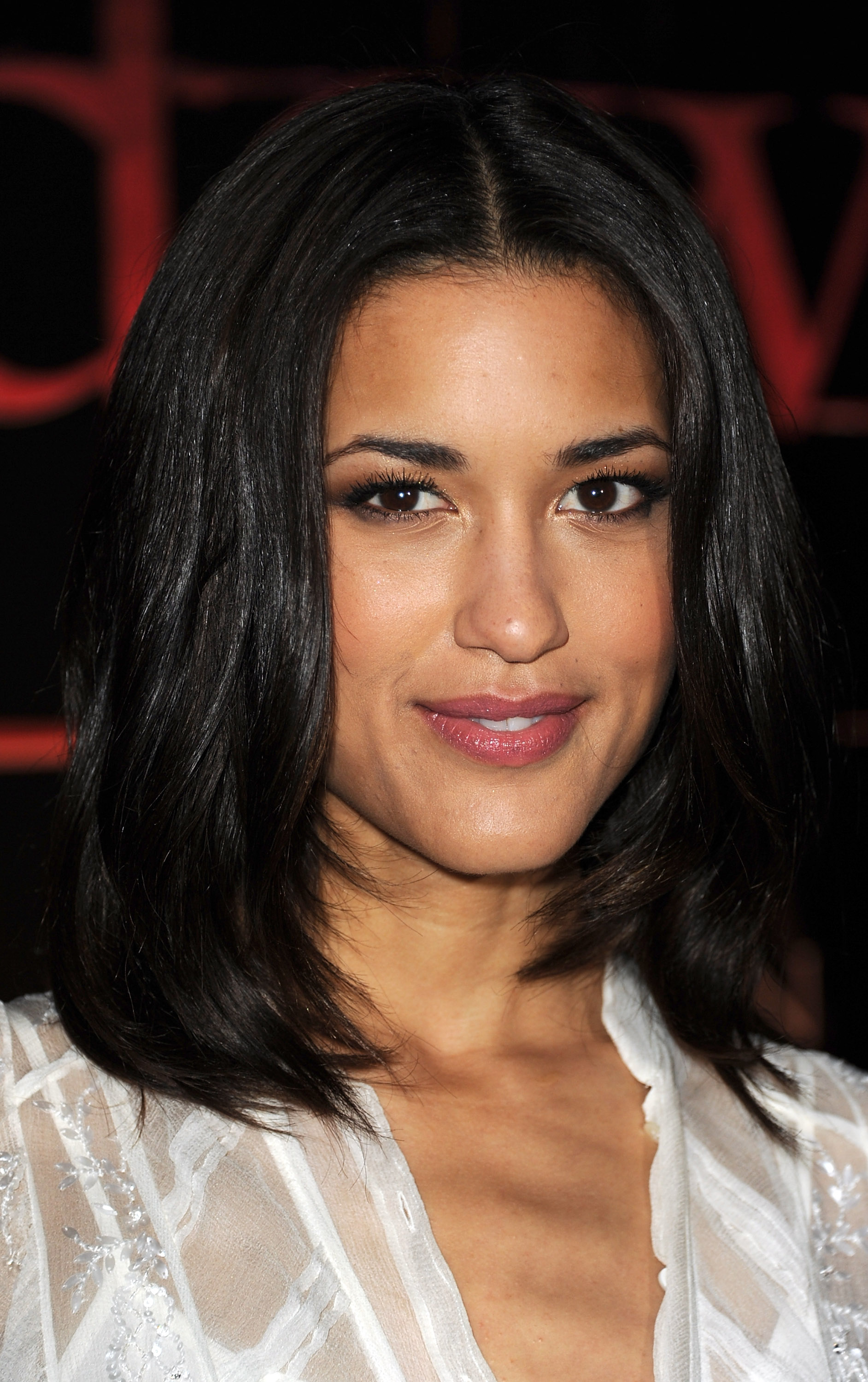 Julia Jones At Burberry Body Launch In Beverly Hills: All The Beauty Looks From The Breaking Dawn