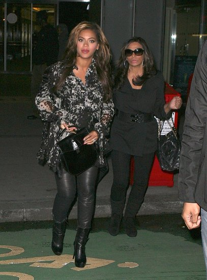 Pregnant Beyonce Knowles Pictures in NYC