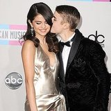 Taylor Swift and Selena Gomez Wear Shimmer Dresses at the 2011 AMAs!