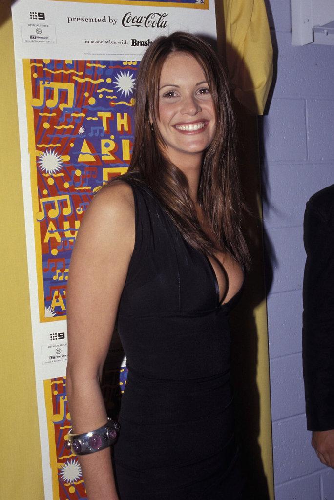 1993: Elle Macpherson